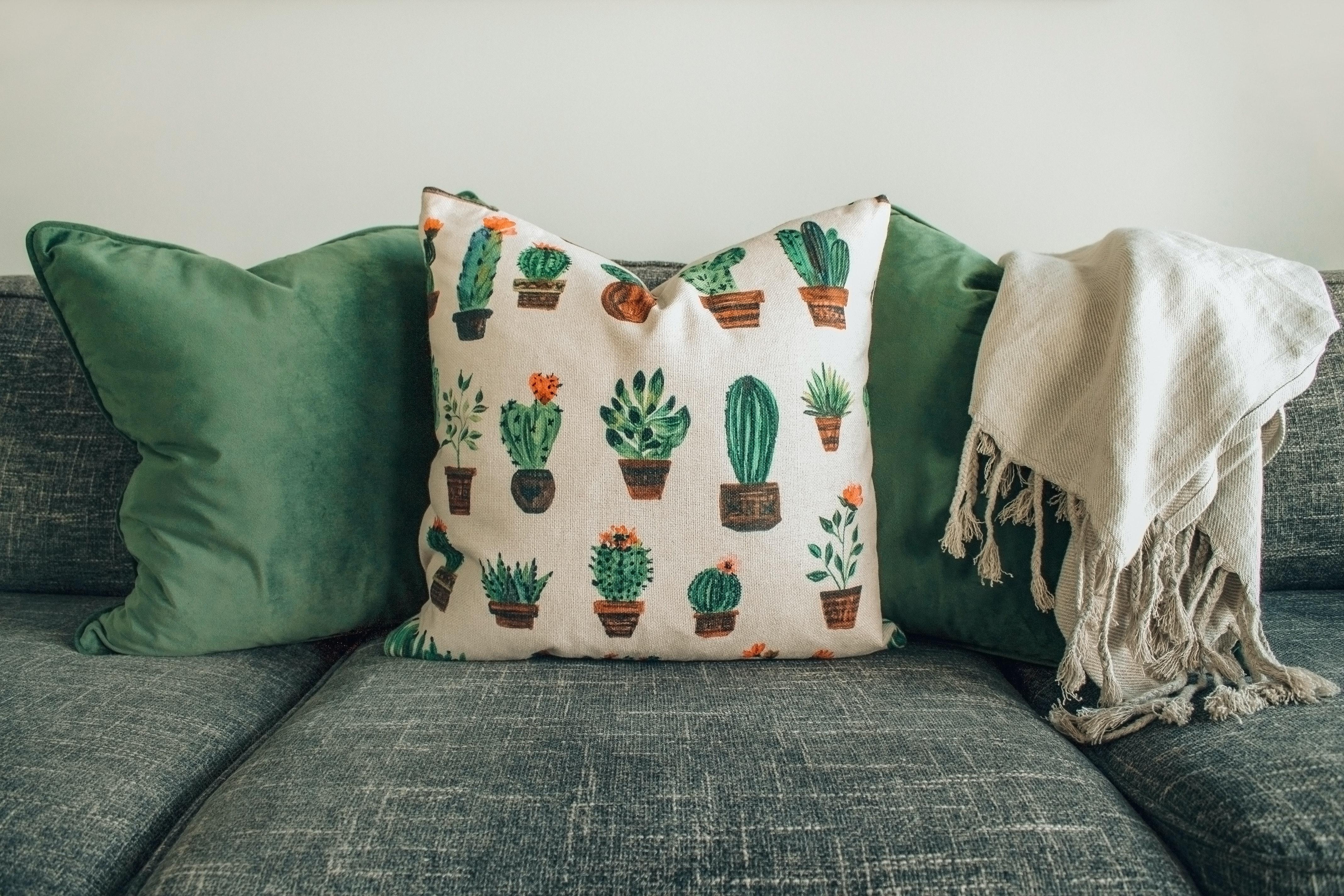 Quali sono i complementi d'arredo indispensabili in casa?