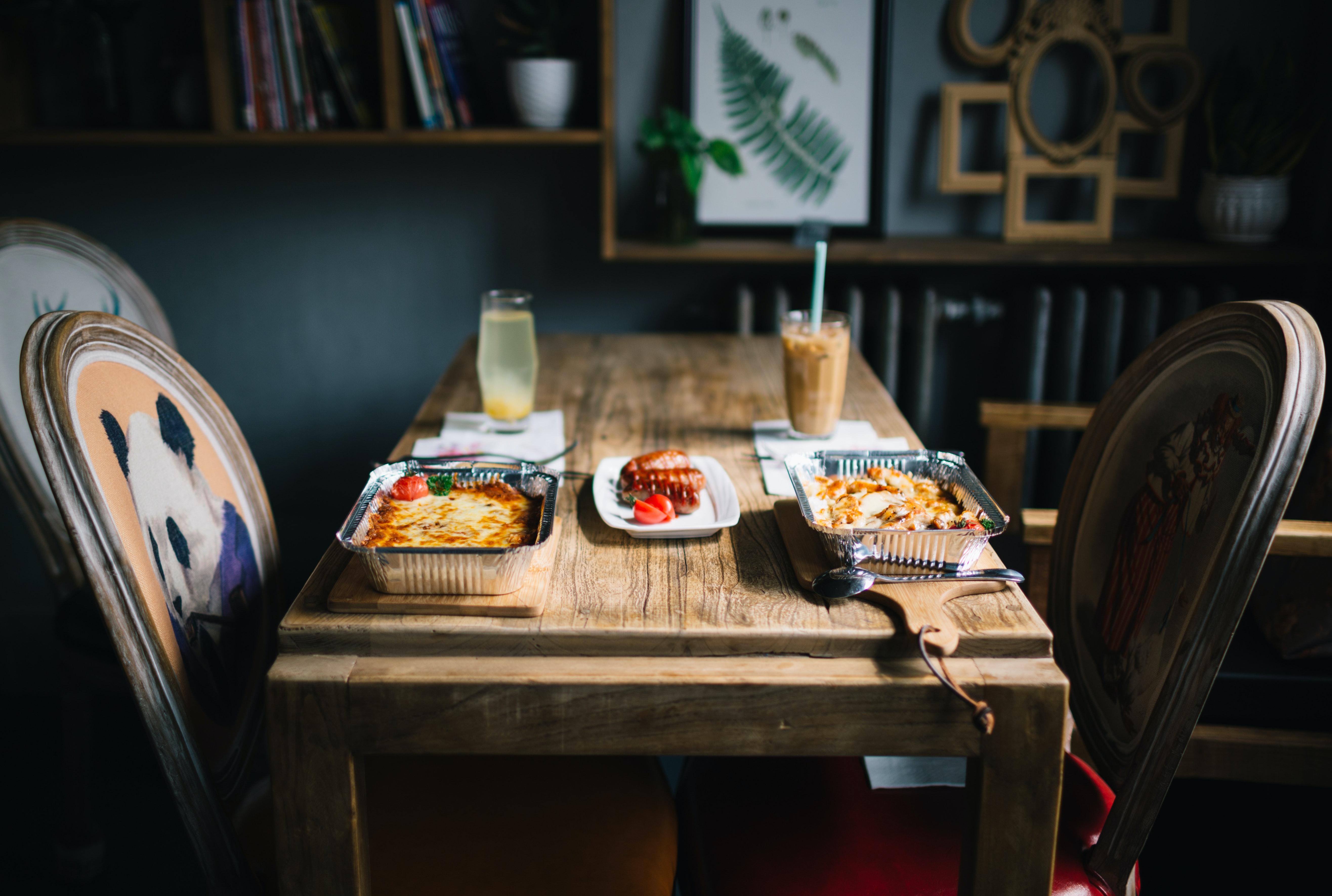 I consigli per decorare una sala da pranzo rustica